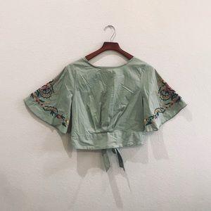 Isa & Ella sage green crop top w/ embroidery sz L